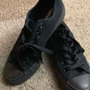 Black low top Allstar Converse